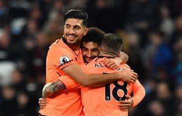 Liverpool gana y se ilusiona en la Premier League