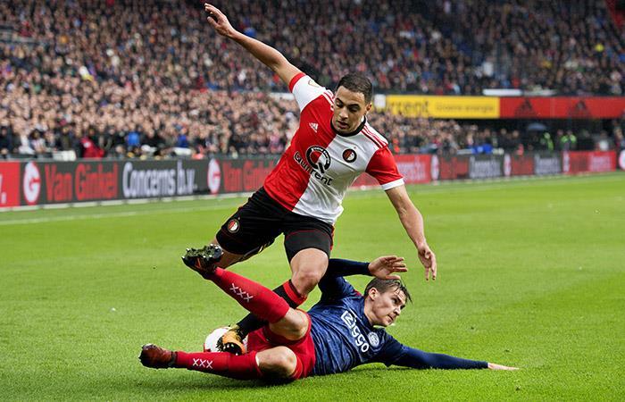 Con asistencia de Tapia, Feyenoord ganó 2-1 al Nápoli en Champions League