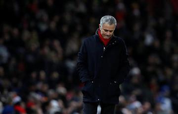 """José Mourinho: """"El Manchester City está comprando defensas al precio de delanteros"""""""