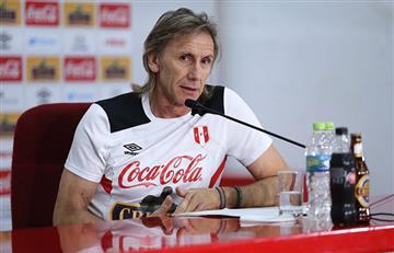 Ricardo Gareca inició viaje para reunirse con jugadores peruanos