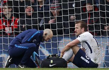 Harry Kane sufrió una lesión que lo obligó a ser cambiado a los 34'