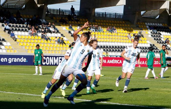 Argentina ganó 3-0 a Bolivia y sumó sus primeros puntos en la Copa América Femenina