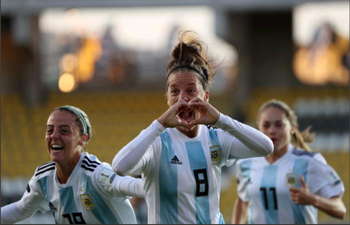 Argentina golea a Ecuador y sueña con la Copa América Femenina
