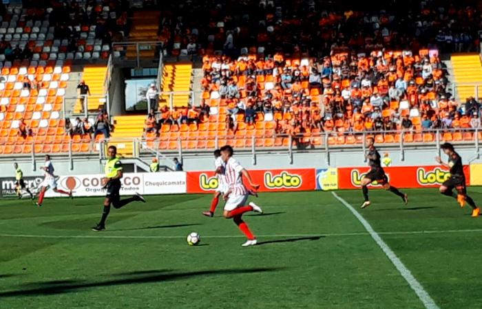 Unión San Felipe con Héctor Vega sacó un gran triunfo de visita ante Cobreloa