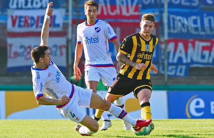 Peñarol igualó 1-1 con Nacional. Foto: AFP