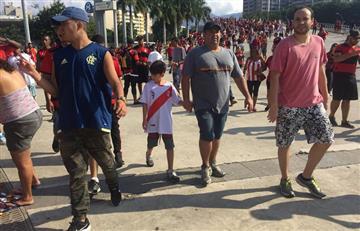 Paolo Guerrero: niño homenajea al delantero con camiseta de la Selección Peruana