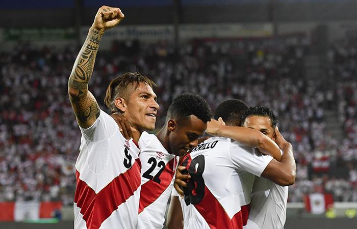 Selección Peruana goleó con doblete de Paolo Guerrero. Foto: EFE