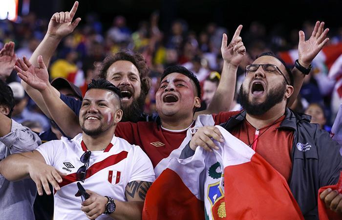 Rusia 2018: peruanos pusieron la fiesta en la inauguración del Mundial