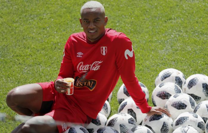 André Carrillo se convirtió en el protagonista del entrenamiento de Perú