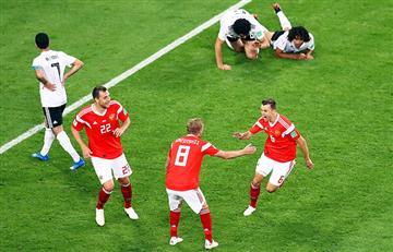 Rusia derrotó a Egipto y tiene pie y medio en octavos de final del Mundial