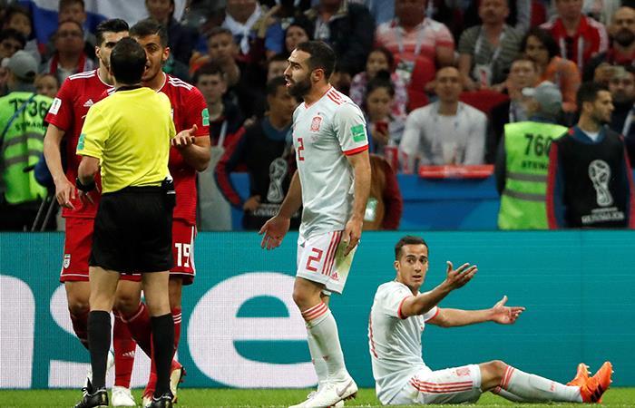 Rusia 2018: Milad Mohammadi intentó pirueta en saque lateral, pero árbitro lo interrumpió