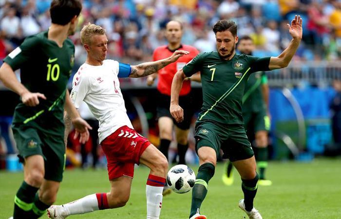 Las mejores jugadas del partido entre Dinamarca y Australia. Foto: EFE