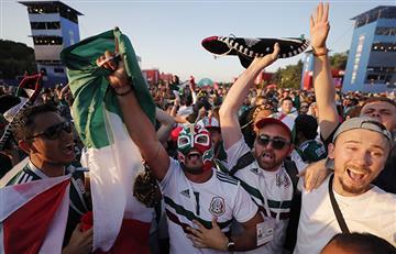 Rusia 2018: mexicano quiso jugarle una broma a coreana y se vio sorprendido