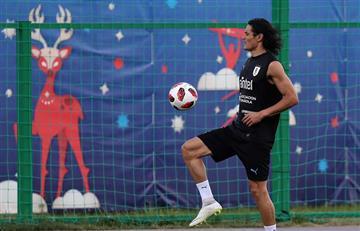 Edinson Cavani entrenó con normalidad y todo dependerá de Óscar Tabárez