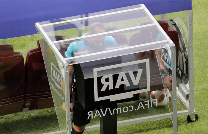 VAR recibe la aceptación de la FIFA (Foto: EFE)