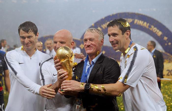 Francia: Didier Deschamps seguirá como DT hasta el 2020