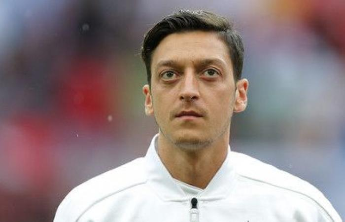 Polémica en Alemania por decisión de Özil de abandonar a su selección