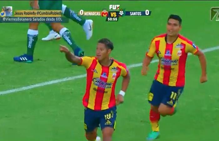 Ray Sandoval marcó el primer gol del Monarcas Morelia sobre el Santos. Foto: Twitter