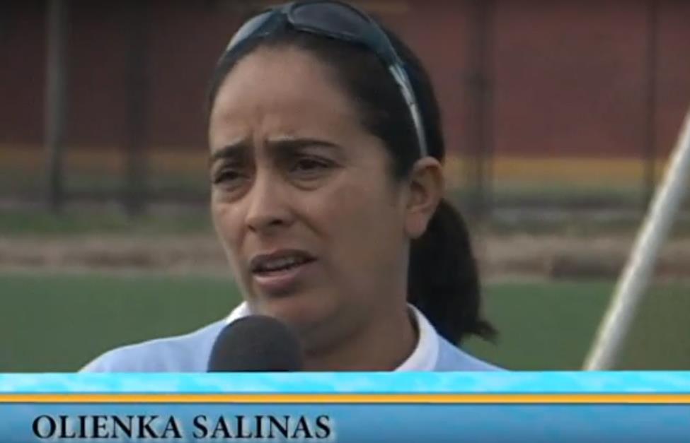 """Olenka Salinas: """"Estamos muy lejos de que el fútbol femenino sea profesional"""""""