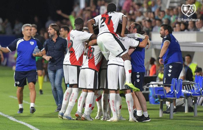 Huesca vs Rayo Vallecano EN VIVO ONLINE de Luis Advíncula por LaLiga
