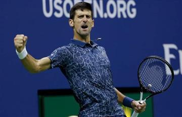 Djokovic clasifica a las semis de Shangai y arrebata el segundo lugar a Federer