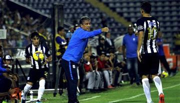 Alianza quiere extender contrato con Bengoechea