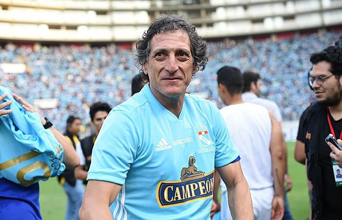 Mario Salas deja Sporting Cristal y será nuevo DT de Colo Colo, según  diario chileno