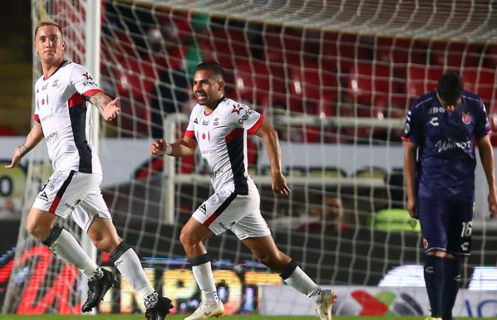 Veracruz vs Lobos BUAP EN VIVO ONLINE duelo de peruanos por Liga MX