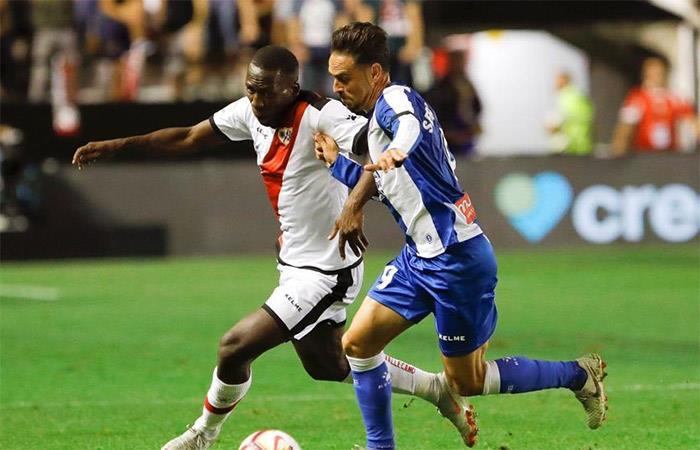 Luis Advíncula y su sensacional asistencia para el empate del Rayo Vallecano