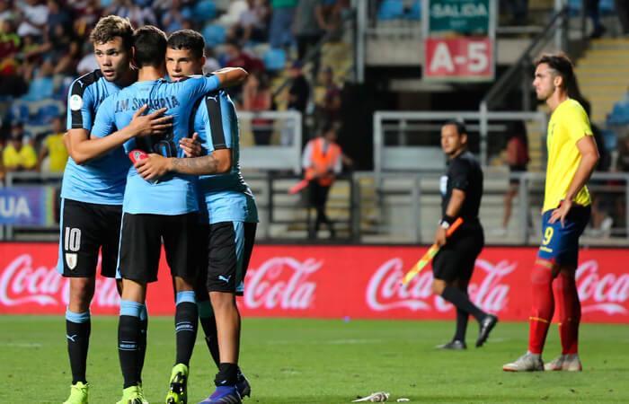 Uruguay venció a Ecuador en el Sudamericano (Foto: EFE)