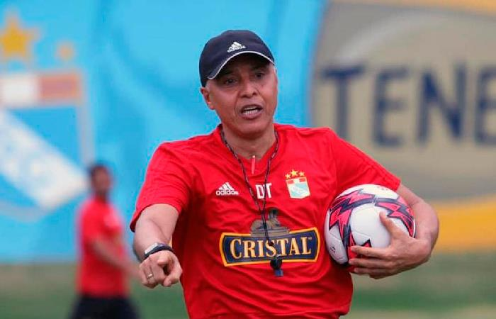 Mendoza declaró tras su abrupta salida de tienda celeste (Foto: Facebook Sporting Cristal)