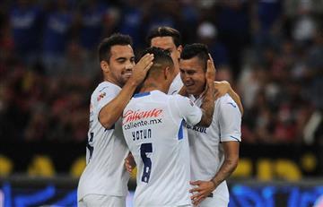 Yotún, otra vez en el once ideal de la Liga MX