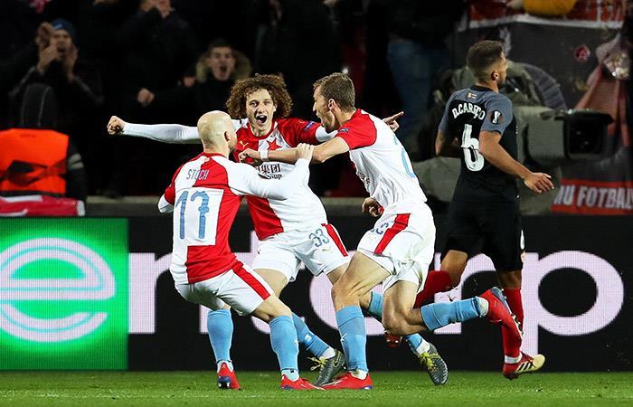 Slavia Praga eliminó al Sevilla de la Europa League en un dramático encuentro