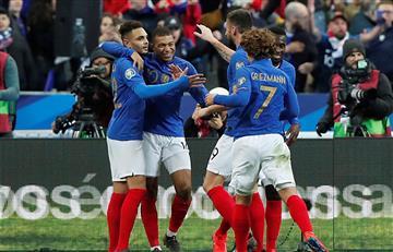 Francia goleó a Islandia