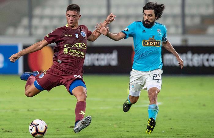Cristal visita a Godoy Cruz por Copa. Foto: EFE