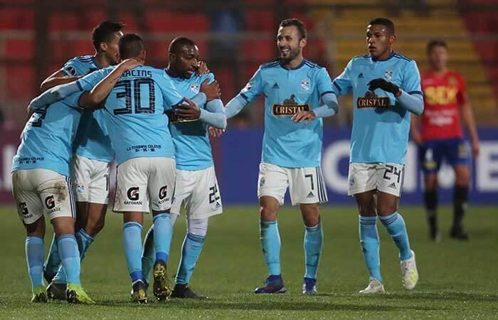 Sporting Cristal goleó a la Unión Española en Chile. Foto: EFE