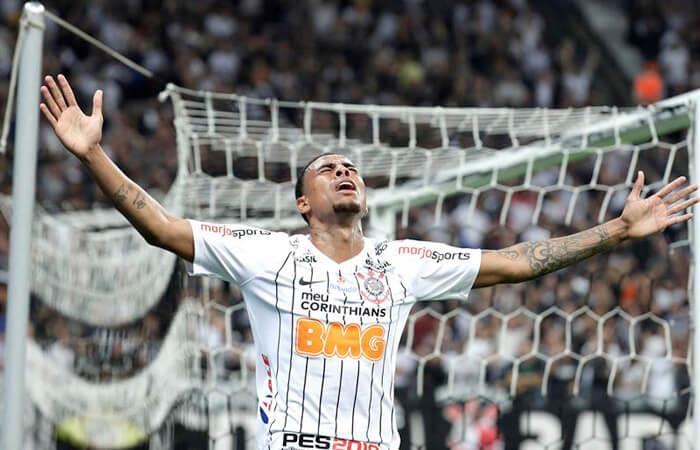 Corinthians venció a Lara. Foto: EFE