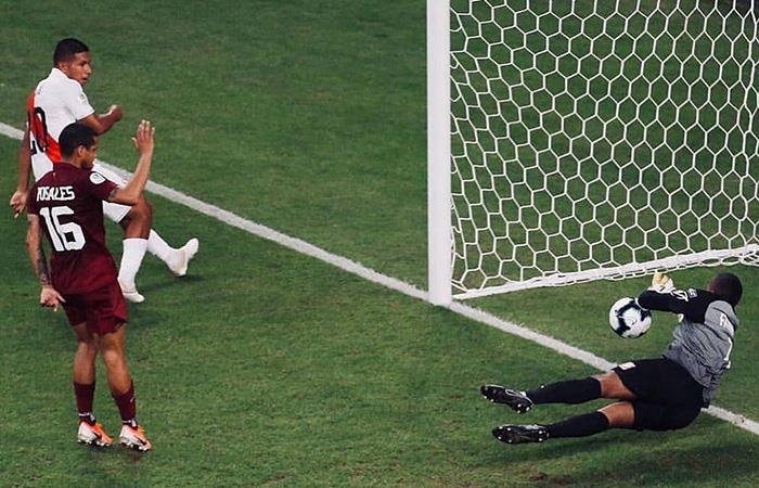 /AFariñez fue determinante en el empate a cero entre Perú y Venezuela. Foto: Twitter