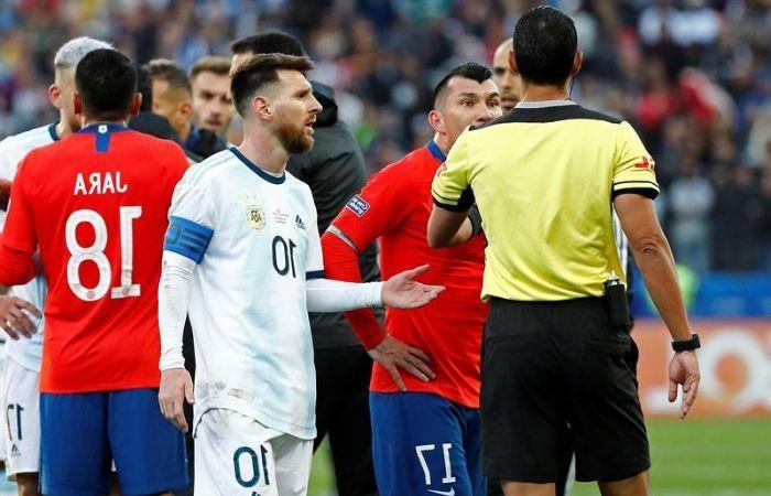 Lionel Messi fue condecorado con el Balón Educativo de Scholas