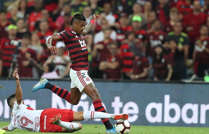 Flamengo doblegó al Inter (Foto: EFE)
