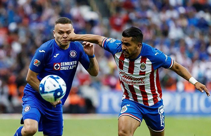Cruz Azul igualó 1-1 con Chivas de Guadalajara. Foto: EFE