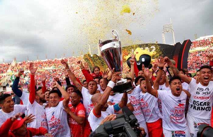 Cienciano, campeón de la Liga 2. (Foto: Andina)