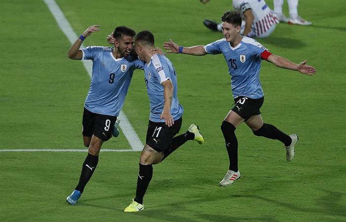 Diego Rossi anotó el único gol del partido. Foto: EFE