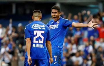 Cruz Azul, de Yoshimar Yotún, goleó en casa al Santos Laguna