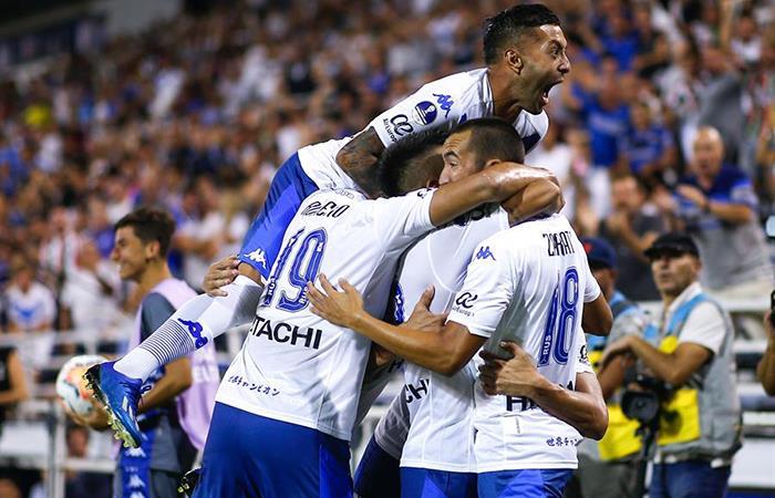 Vélez Sarsfield se impuso por la mínima a Aucas. Foto: EFE