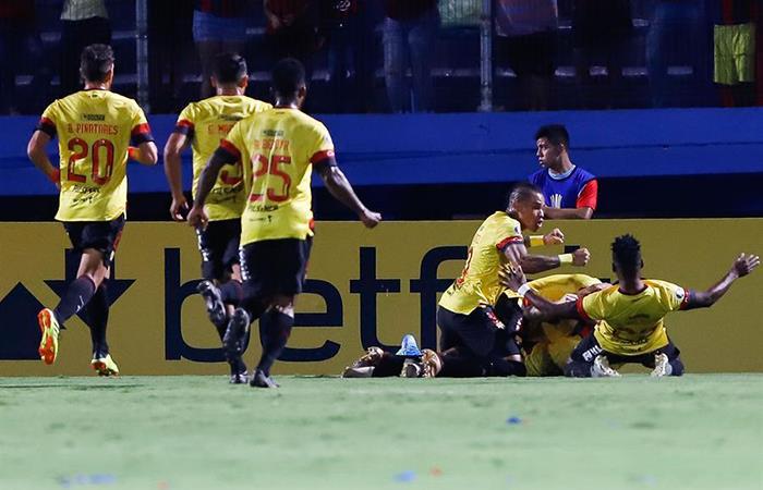 Barcelona apabulló 4-0 a Cerro Porteño (Foto: EFE)