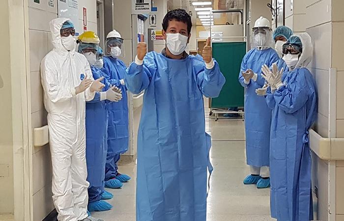 El número de pacientes dado de alta superó a los de contagio en los últimos días. Foto: Andina