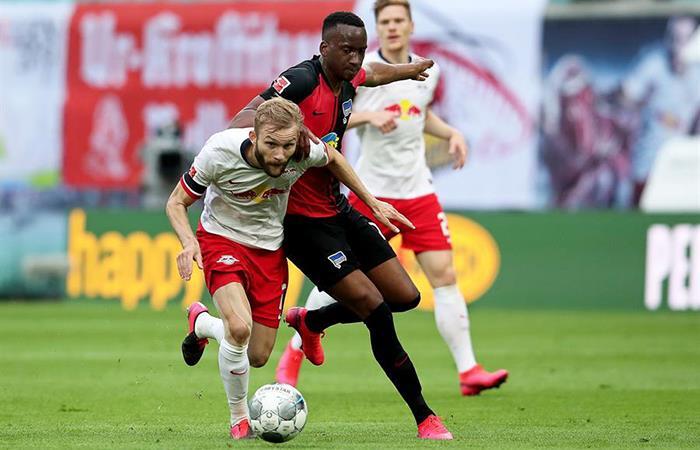 RB Leipzig igualó 2-2 con el Hertha Berlín. Foto: EFE