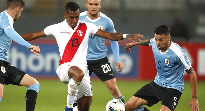 Renato Tapia tiene contrato con Feyenoord hasta fin de junio. Foto: Andina