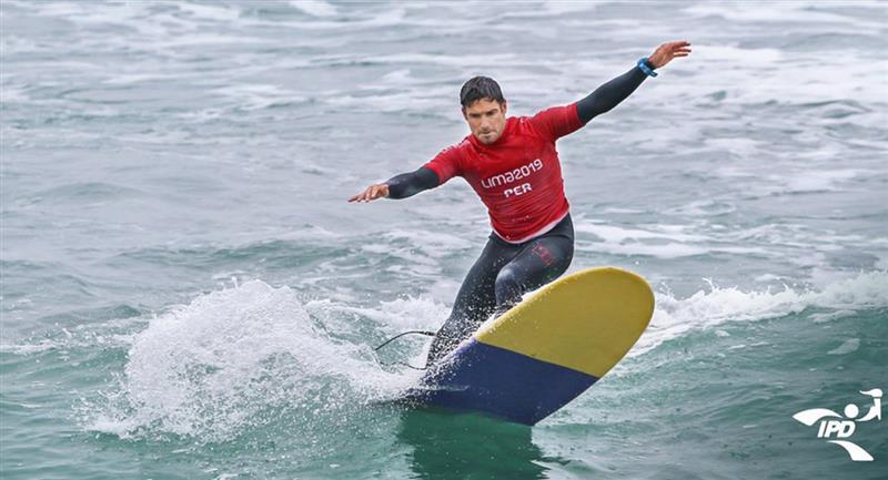 Piccolo Clemente es uno de los primeros surfistas en volver a entrenar. Foto: Twitter